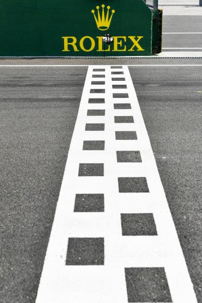 Timing beam on the start/ finish straight