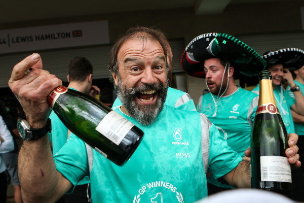 James Waddell (GBR) Mercedes AMG F1 Race Team Composite Technician celebrates with the champagne at Formula One World Championship, Rd19, Mexican Grand Prix, Race, Circuit Hermanos Rodriguez, Mexico City, Mexico, Sunday 30 October 2016.