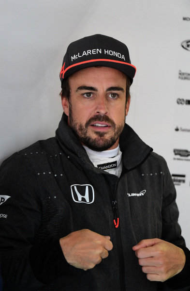 Fernando Alonso (ESP) McLaren at Formula One World Championship, Rd2, Chinese Grand Prix, Practice, Shanghai, China, Friday 7 April 2017.