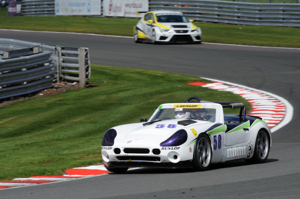 2017 DDMC Northern Saloon & Sports Car Championship, Oulton Park, Cheshire. 15th April 2017. Darren Smith TVR Tuscan. World Copyright: JEP/LAT Images.