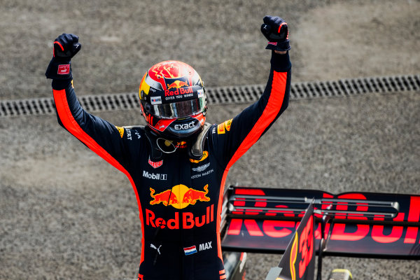Autodromo Hermanos Rodriguez, Mexico City, Mexico. Sunday 29 October 2017. Max Verstappen, Red Bull Racing wins the Mexican Grand Prix. World Copyright: Zak Mauger/LAT Images  ref: Digital Image _56I6679