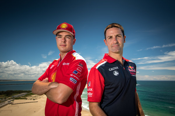 2017 Supercars Championship Round 14.  Newcastle 500, Newcastle Street Circuit, Newcastle, Australia. Thursday November 23rd to Sunday November 27th 2017. Scott McLaughlin, Team Penske Ford, Jamie Whincup, Triple Eight Race Engineering Holden.  World Copyright: Daniel Kalisz/LAT Images Ref: Digital Image 231117_VASCR14_DKIMG_0180.jpg