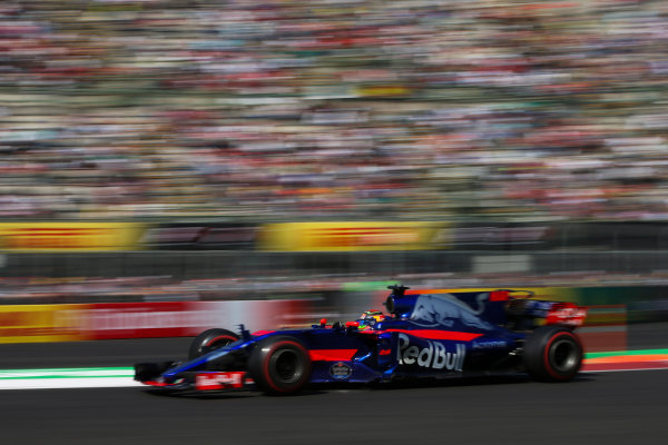 Autodromo Hermanos Rodriguez, Mexico City, Mexico. Friday 27 October 2017. Brendon Hartley, Toro Roso STR12 Renault. World Copyright: Charles Coates/LAT Images  ref: Digital Image DJ5R1320