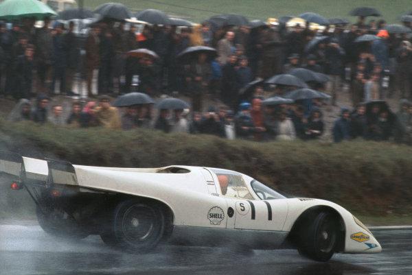 1970 BOAC Brands Hatch 1000 Kms. Brands Hatch, England. 12th April 1970. Vic Elford / Denny Hulme (Porsche 917K), 2nd position, action.  World Copyright: LAT Photographic. Ref: 70BOAC_Brands_3.