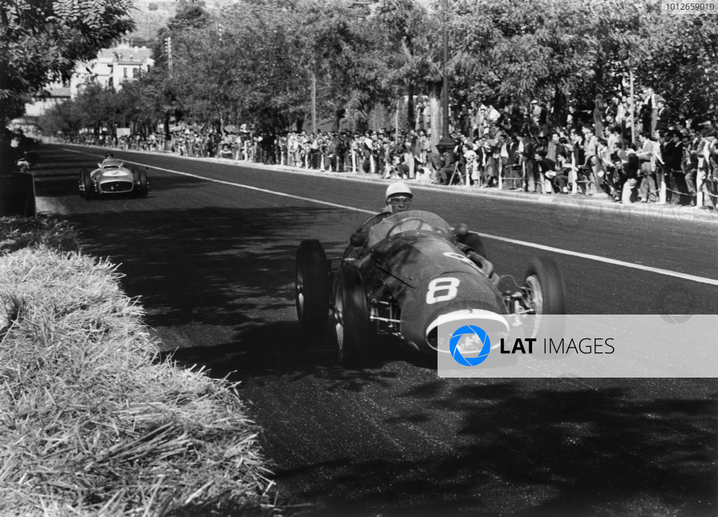 Pedralbes, Barcelona, Spain. 24 October 1954.Stirling Moss (Maserati 250F), retired, action.World Copyright: LAT Photographic.Ref: 255 - 27.