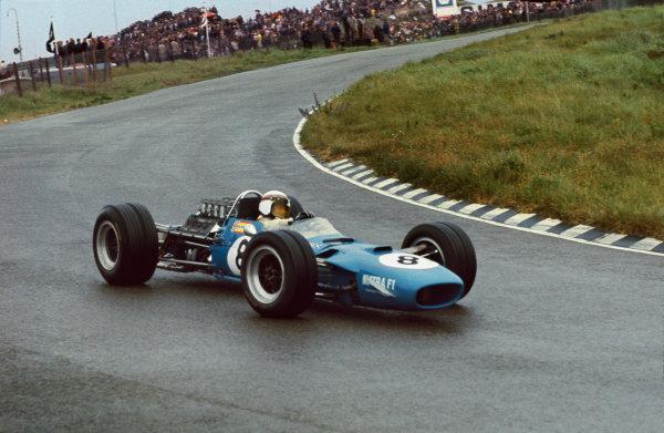 Zandvoort, Holland. 23 June 1968. Jackie Stewart, Matra MS10-Ford, 1st position, action. World Copyright: LAT Photographic. Ref: 68HOL26.