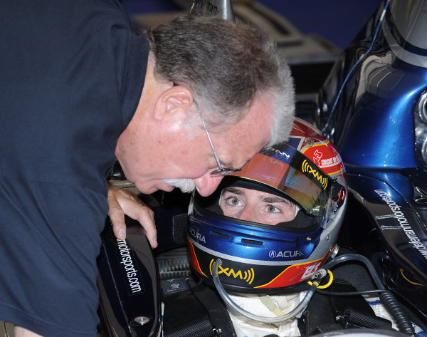 John Anderson, team manger for de Ferran Motorsports in ALMS with Simon Pagenaud©2009 Dan R. Boyd USA LAT Photographty.