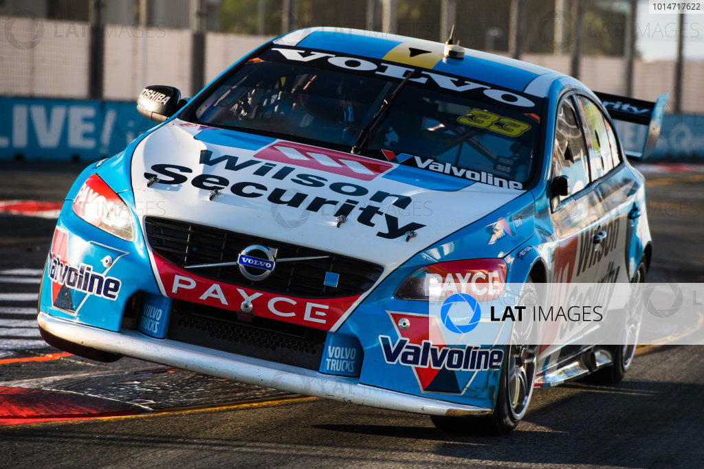2016 Supercars Championship Round 12.  Gold Coast 600, Surfers Paradise, Queensland, Australia. Thursday 21st October to Sunday 23rd October 2016. Scott McLaughlin drives the #33 Wilson Security Racing GRM Volvo S60. World Copyright: Daniel Kalisz/LAT Photographic Ref: Digital Image 211016_VASCR12_GOLDCOAST600_DKIMG_2158.JPG