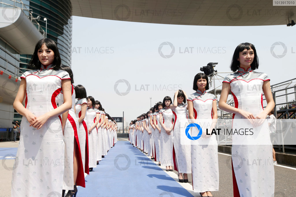 Shanghai International Circuit, Shanghai, China Sunday 14th April 2013 Grid Girls. World Copyright: Glenn Dunbar/LAT Photographic ref: Digital Image _89P7702