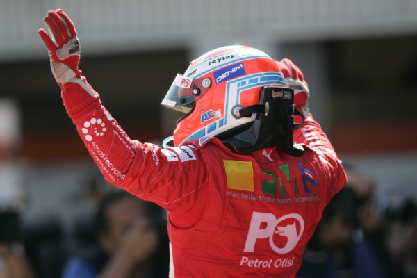 2007 GP2 Series Round 5. Silverstone, England. 8th July 2007. Sunday Race.Adam Carroll (GBR, Petrol Ofisi FMS International) celebrates victory. World Copyright: Andrew Ferraro/GP2 Series Media Service.  ref: Digital Image _F6E6866