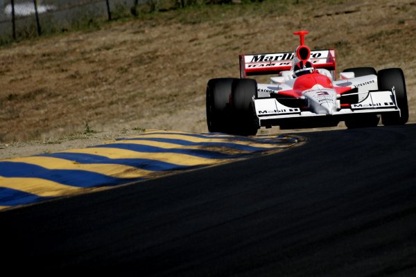 26-28 August, 2005, Sonoma, California, USAHelio Castroneves©2005 Lesley Ann Miller, USALAT Photographic