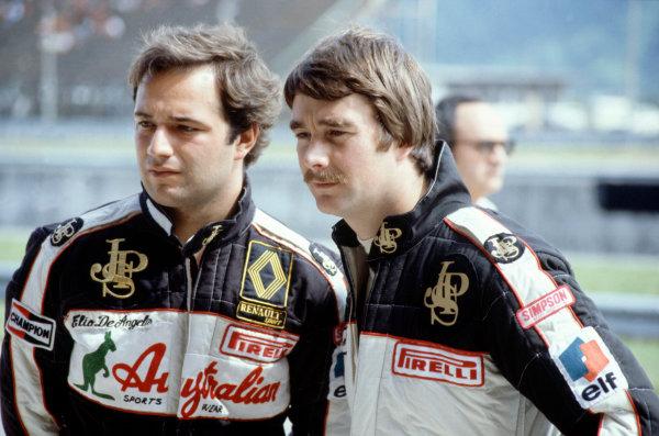 Brazilian Grand PrixRio De Janeiro, Brazil. 11th - 13th March.Lotus team mates Elio De Angelis and Nigel Mansell talk before the race.World Copyright: LAT Photographic.Ref: 83 BRA 29