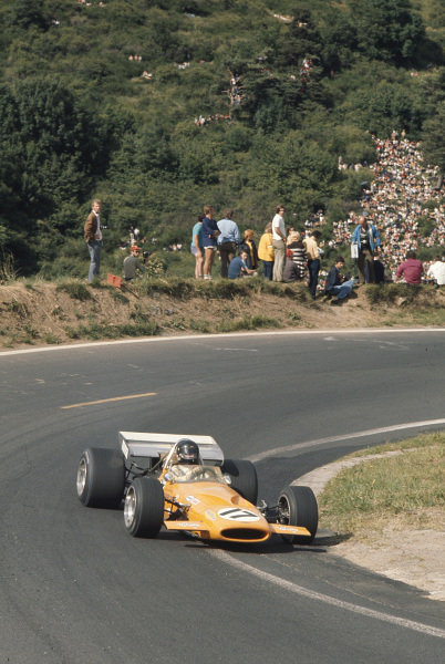 1970 French Grand Prix.Clermont-Ferrand, France.3-5 July 1970.Dan Gurney (McLaren M14A Ford) 6th position.Ref-70 FRA 19.World Copyright - LAT Photographic