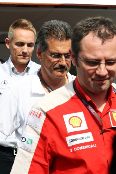 Stefano Domenicali (ITA) Ferrari General Director; Dr Mario Theissen (GER) BMW Sauber F1 Team Principal and Martin Whitmarsh (GBR) McLaren Chief Executive Officer leave the FOTA meeting. Formula One World Championship, Rd 6, Monaco Grand Prix, Monte-Carlo, Monaco, Friday 22 May 2009.