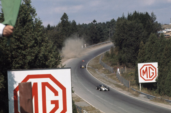 1969 Canadian Grand Prix.  Mosport, Canada. 18-20th September 1969.  Silvio Moser, Brabham BT24 Ford, crashes out on the first lap as Pete Lovely, Lotus 49B Ford, and John Cordts, Brabham BT23B Climax, go past.  Ref: 69CAN01. World Copyright: LAT Photographic