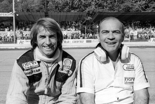 (L to R): Eighth placed Jacques Laffite (FRA) Ligier, with Guy Ligier (FRA) Ligier Team Owner on the pit wall.Italian Grand Prix, Rd 14, Monza, Italy, 11 September 1977.