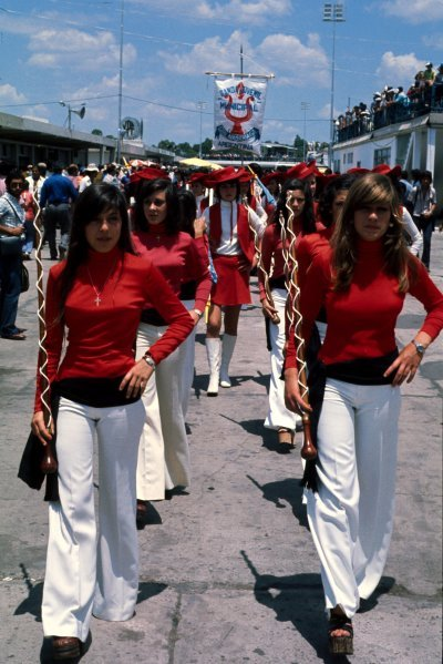 Grid girls.
