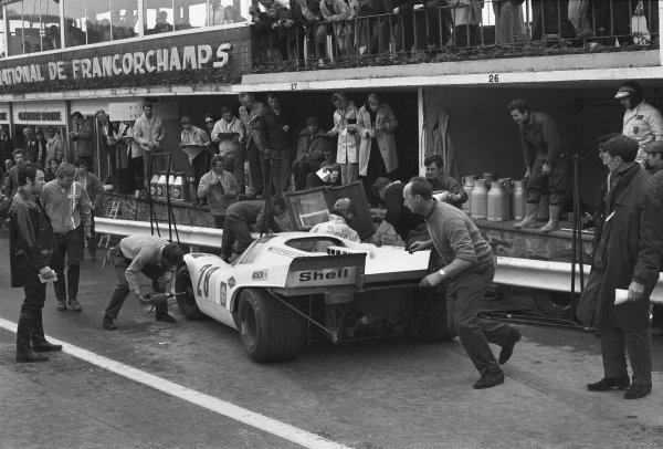 1970 Spa Francorchamps 1000 kms. Spa Francorchamps, Belgium. 17th May 1970. Rd 6. Vic Elford/Kurt Ahrens, Jr. (Porsche 917K), 3rd position, pit stop and driver change, action.  World Copyright: LAT Photographic. Ref: 3080 - 23A.