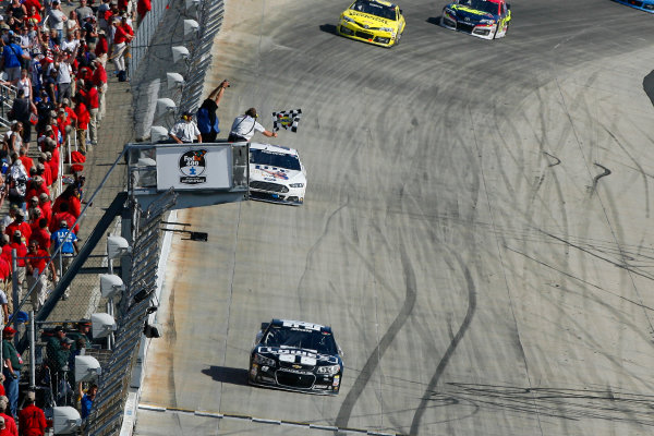 30 May-1 June, 2014, Dover, Delaware USA Jimmie Johnson drives under the checkered flag to win ?2014, Russell LaBounty LAT Photo USA