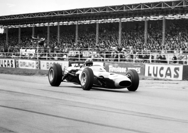 1965 British Grand Prix.Silverstone, Great Britain. 10 July 1965.Graham Hill, BRM P261, 2nd position, action. Ref: L65/334/32.World Copyright: LAT Photographic