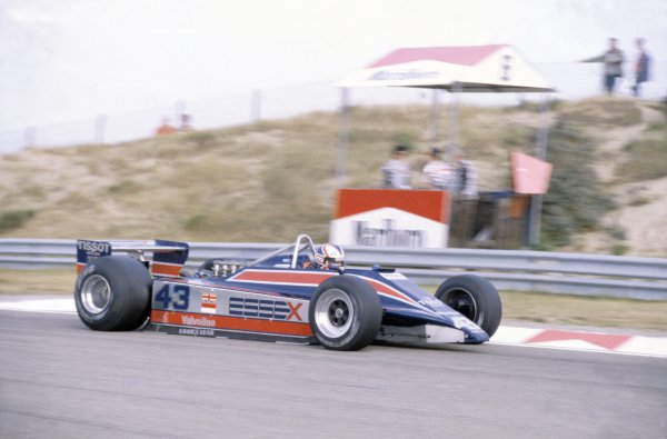 1980 Dutch Grand Prix.Zandvoort, Holland. 29-31 August 1980.Nigel Mansell (Lotus 81B-Ford Cosworth), retired.World Copyright: LAT PhotographicRef: 35mm transparency 80HOL14