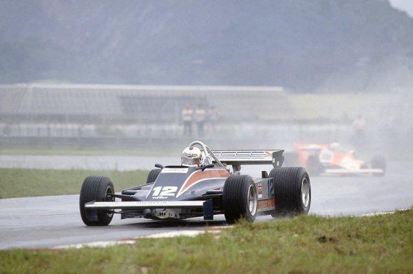 1981 Brazilian Grand Prix.Jacarepagua, Rio de Janeiro, Brazil. 27-29 March 1981.Nigel Mansell (Lotus 81B-Ford Cosworth), 11th position, leads Andrea de Cesaris (McLaren M29F-Ford Cosworth).World Copyright: LAT PhotographicRef: 35mm transparency 81BRA15