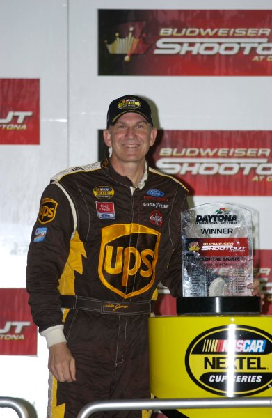 2004 NASCAR Nextel Daytona 500 USA February 05-15Dale Jarrett wins Shootout,World Copyright - RobT LeSieur 2004LAT Photographic