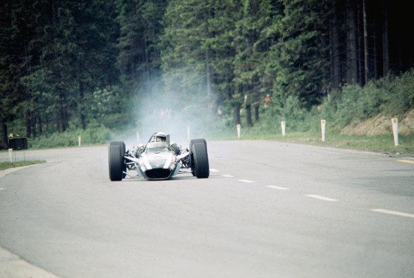 1968 Belgian Grand Prix.Spa-Francorchamps, Belgium.7-9 June 1968.Brian Redman (Cooper T86B BRM) about to crash due to front suspension damage.Ref-68 BEL 08.World Copyright - LAT Photographic