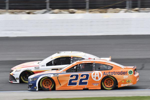 #23: Bubba Wallace, 23XI Racing, Toyota Camry McDonald's, #22: Joey Logano, Team Penske, Ford Mustang Autotrader