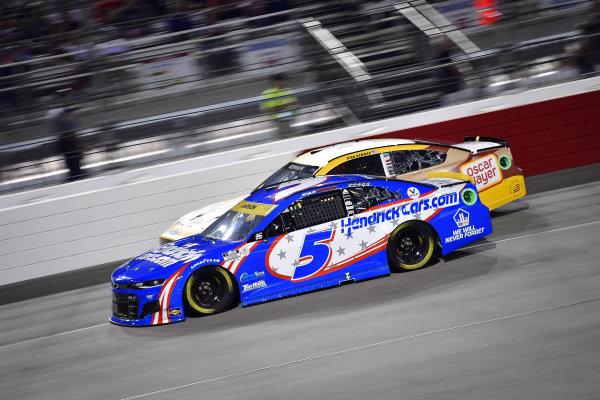 #5: Kyle Larson, Hendrick Motorsports, Chevrolet Camaro HendrickCars.com, #6: Ryan Newman, Roush Fenway Racing, Ford Mustang Oscar Mayer Bacon