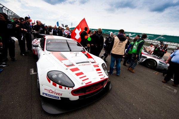 Silverstone, England. 30th April - 2nd May 2010. Darren Turner / Tomas Enge, (Young Driver AMR, Aston Martin DB9) on pole position on the grid with Frederic Makowiecki / Jean-Denis Deletraz, (Hexis AMR, Aston Martin DB9). . Action. Atmosphere. World Copyright: Drew Gibson/LAT Photographic. Digital Image _Y2Z4347