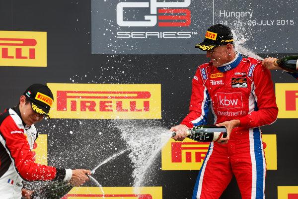 2015 GP3 Series Round 4.  Hungaroring, Budapest, Hungary. Sunday 26 July 2015. Kevin Ceccon (ITA, Arden International) & Esteban Ocon (FRA, ART Grand Prix)  World Copyright: Sam Bloxham/LAT Photographic. ref: Digital Image _79P9048