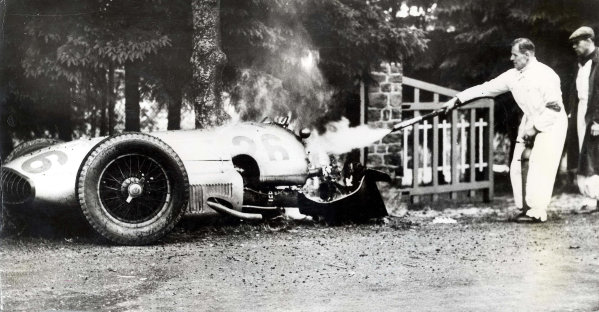 Spa-Francorchamps, Belgium.26 June 1939.The wreckage of Dick Seaman's Mercedes-Benz W154 after his fatal accident at La Source.Published-Autocar 30/6/1939 p1132.World Copyright - LAT Photographic