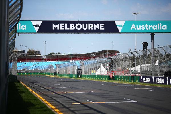 Albert Park, Melbourne, Australia. Wednesday 16 March 2016. Melbourne GP banner World Copyright: Andrew Hone/LAT Photographic. ref: Digital Image HONY9913