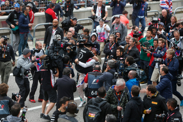 Circuit of the Americas, Austin, Texas, United States of America.  Sunday 25 October 2015. Lewis Hamilton, Mercedes AMG, 1st Position, celebrates victory. World Copyright: Andrew Ferraro/LAT Photographic ref: Digital Image _FER0551