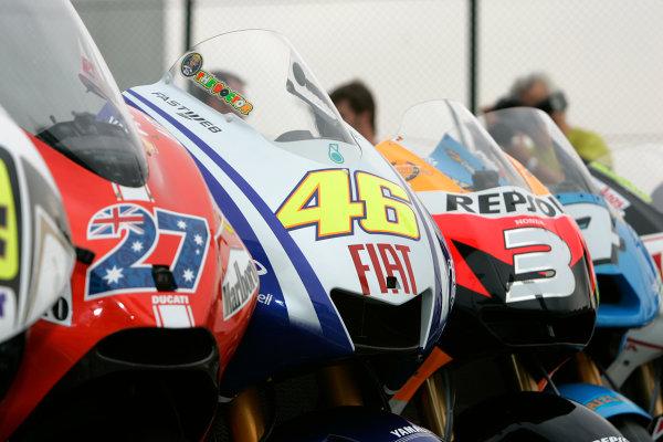 Qatar, Losail International Circuit.10th - 13th April 2009.Valentino Rossi M1 in MotoGP bike line upWorld Copyright: Martin Heath/LAT Photographic ref: Digital Image BPI_Moto 7n3j