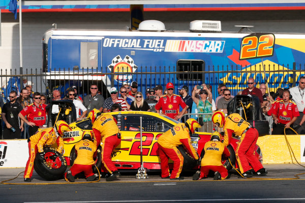 Monster Energy NASCAR Cup Series Monster Energy NASCAR All-Star Race Charlotte Motor Speedway, Concord, NC USA Friday 19 May 2017 Joey Logano, Team Penske, Shell Pennzoil Ford Fusion World Copyright: Matthew T. Thacker LAT Images ref: Digital Image 17CLT1mt1431