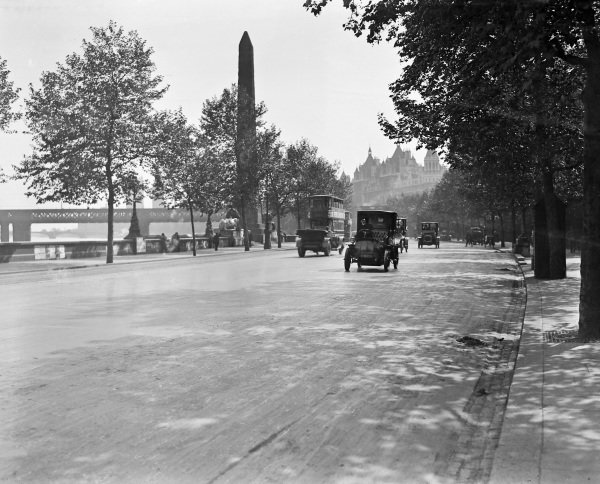 View of the Embankment in London showing reduced levels of traffic during wartime, with an electric Brougham in the foreground and Cleopatra's Needle behind.