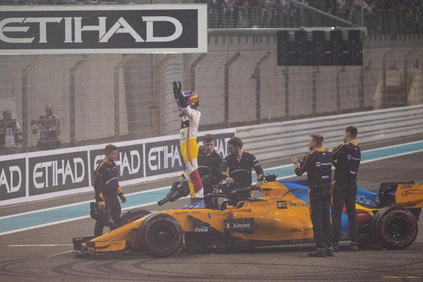 Fernando Alonso, McLaren MCL33 celebrates in Parc Ferme
