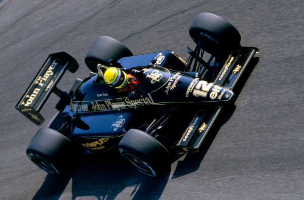 Monza, Italy.6-8 September 1985. Rd 12.Ayrton Senna (Lotus 97T-Renault) 3rd position, at Parabolica, action.World Copyright - LAT Photographic