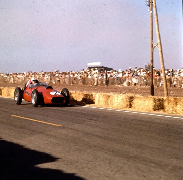 1958 Moroccan Grand Prix.Ain-Diab, Casablanca, Morocco.17-19 October 1958.Olivier Gendenbien (Ferrari Dino 246).Ref-3/0129.World Copyright - LAT Photographic