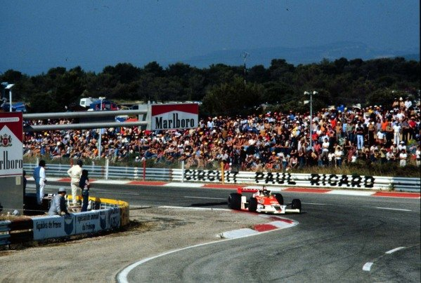 1978 French Grand Prix. Paul Ricard, Le Catellet, France. 30/6-2/7 1978. James Hunt (McLaren M26 Ford) 3rd position. World Copyright - LAT Photographic Ref: 78FRA12