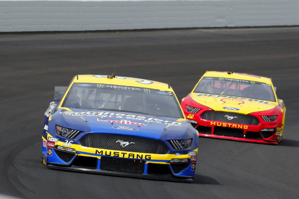 #36: Matt Tifft, Front Row Motorsports, Ford Mustang Southeastern Equipment & Supply / Meijer and #22: Joey Logano, Team Penske, Ford Mustang Shell Pennzoil