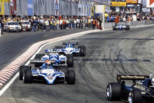 Eddie Cheever, Ligier JS17 Matra, leads Jean-Pierre Jarier, Osella FA1C Ford, and Jacques Laffite, Ligier JS17 Matra.