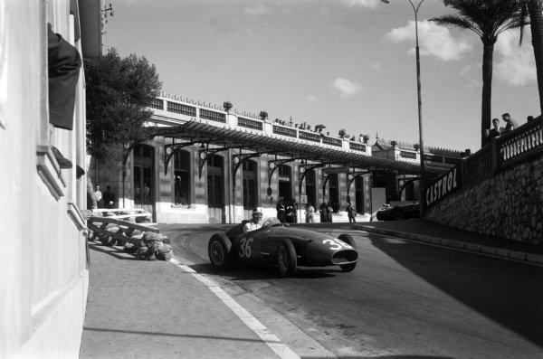 Carlos Menditéguy, Maserati 250F.