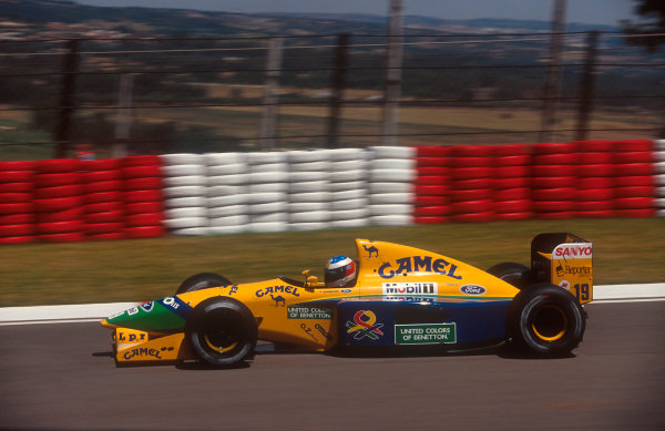 1992 South African Grand Prix.Kyalami, South Africa.28/2-1/3 1992.Michael Schumacher (Benetton B191B Ford) 4th position.Ref-92 SA 13.World Copyright - LAT Photographic