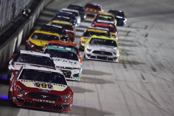 #12: Ryan Blaney, Team Penske, Ford Mustang BodyArmor, #2: Brad Keselowski, Team Penske, Ford Mustang Discount Tire
