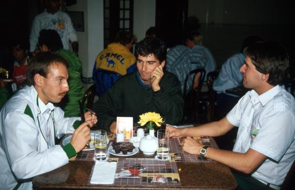 (L to R): Andy Wallace (GBR); Damon Hill (GBR) and Martin Donnelly (IRL) International Formula Three, Macau, Hong Kong, 29 November 1987.