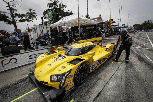 #84 JDC-Miller Motorsports Cadillac DPi, DPi: Simon Trummer, Stephen Simpson, pit stop