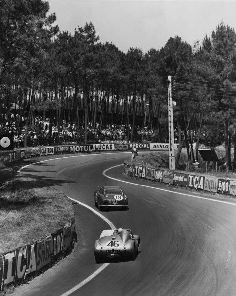 Le Mans, France. 25th - 26th June 1960 Ed Hugus/Augie Pabst (Ferrari 250 GT), 7th position, leads John Dalton/John Colgate (Austin-Healey Sprite), 16th position, action. World Copyright: LAT Photographic Ref:  Autocar Used Pic 22nd June 1962 Pg 1024.